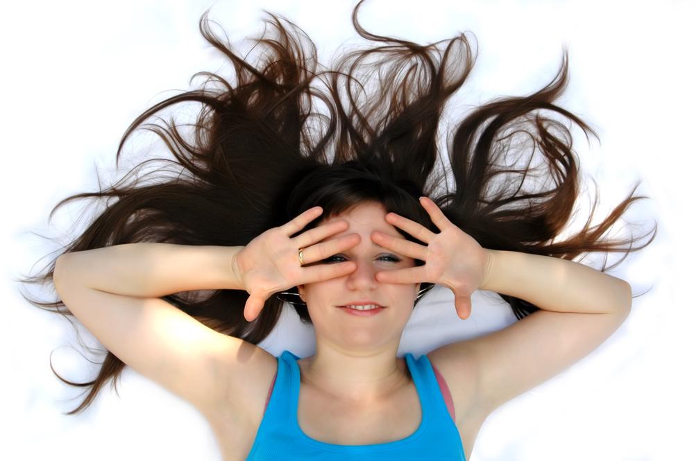 Prodloužení vlasů zvládnete i sami doma!